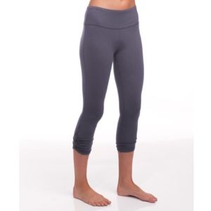 ALO Yoga Pants - ALO Yoga Capri Shirring Leggings L // Q35